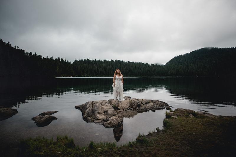 Travel Adventure Wedding Photographer - Mt Rainier - Rose-8.jpg