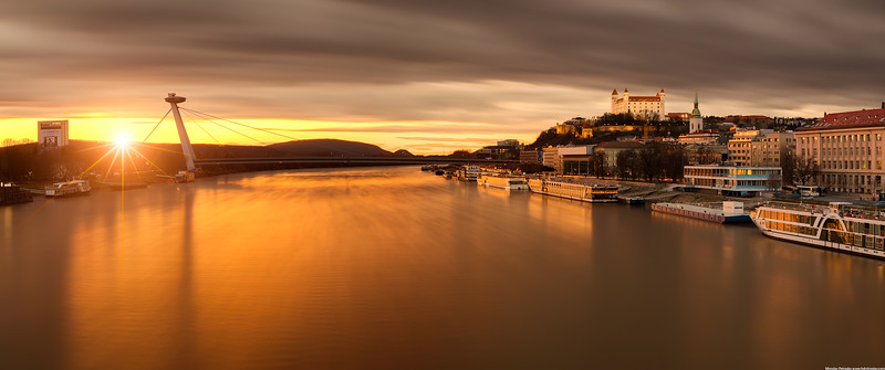 Long-exposure-over-Danube-3440x1440.jpg