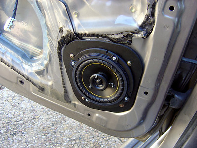 2001 Toyota 4Runner Rear Doors Speaker Installation - USA