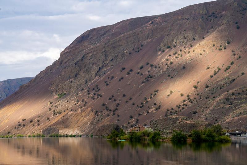 Tamron 70-180mm at Dry Lake, Washington