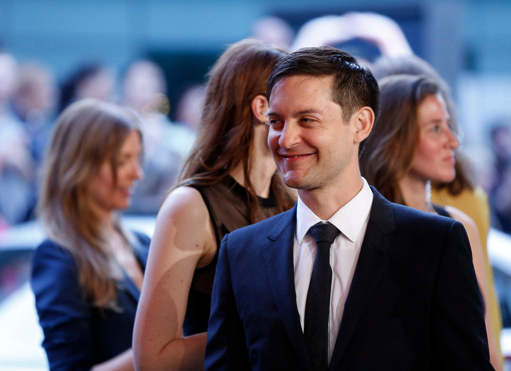 . Actor Tobey Maguire arrives at the 2013 Council of Fashion Designers of America (CFDA) awards in New York June 3, 2013.  REUTERS/Lucas Jackson