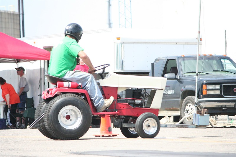 St. Paul Park tractor pull 2013 022.JPG