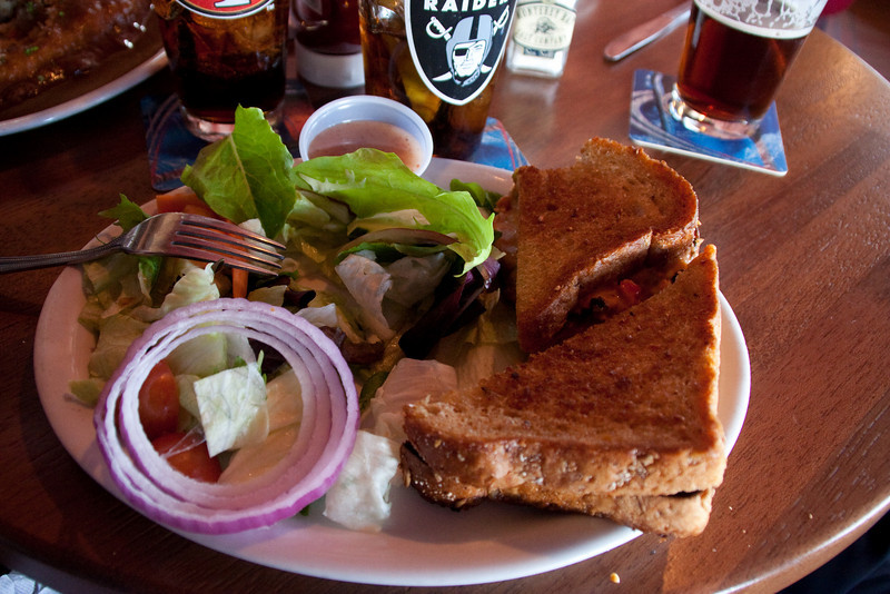 I greatly enjoyed my 3-cheese grilled cheese sandwich on 9-grain bread (with tomatoes, olives, and peppers) and a crisp green salad. My companions had pasties. (That's pahsties, not paysties.)