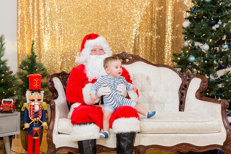 FADS Picture with Santa-227.jpg