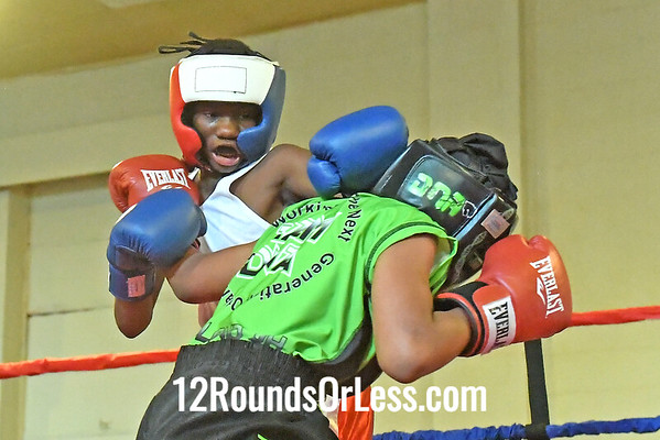 Bout 13 Natoine Nicholson Blue Gloves, Detroit -vs-Virgil Satterwhite, Red Gloves, Cleveland