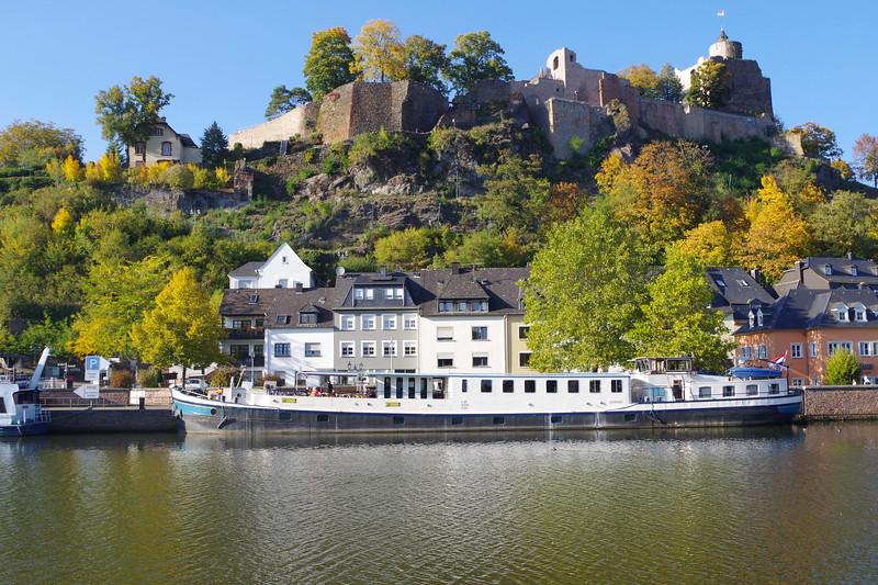 Castle barge.JPG