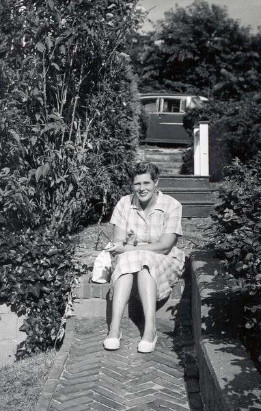 Aunt Bert Cape Cod 1957.jpg