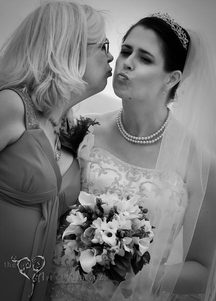 Wedding - Laura and Sean - D90-1286.jpg