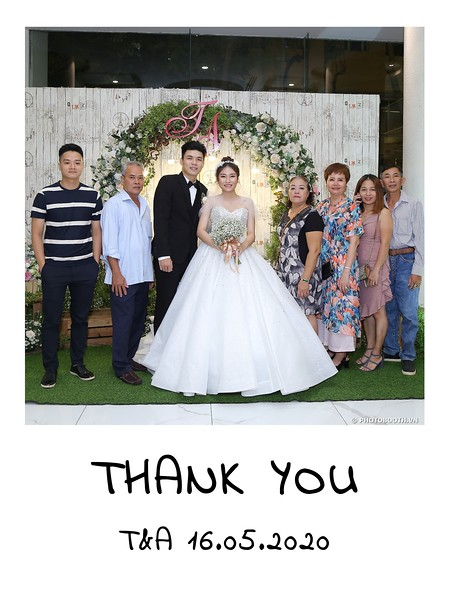 TA-wedding-instant-print-photo-booth-at-Revierside-Palace-Quan-4-Chup-hinh-in-anh-lay-lien-Tiec-Cuoi-009.jpg