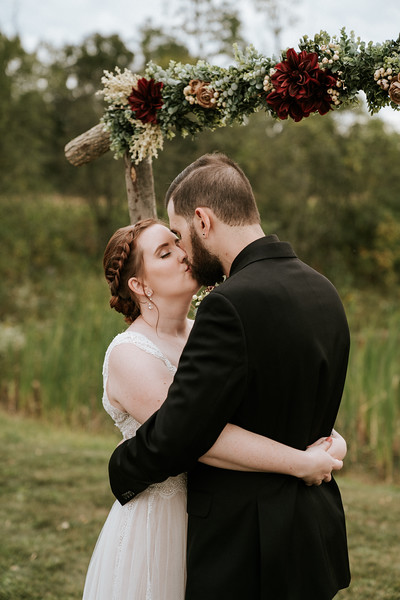 rustic_ohio__fall_barn_wedding-318.jpg