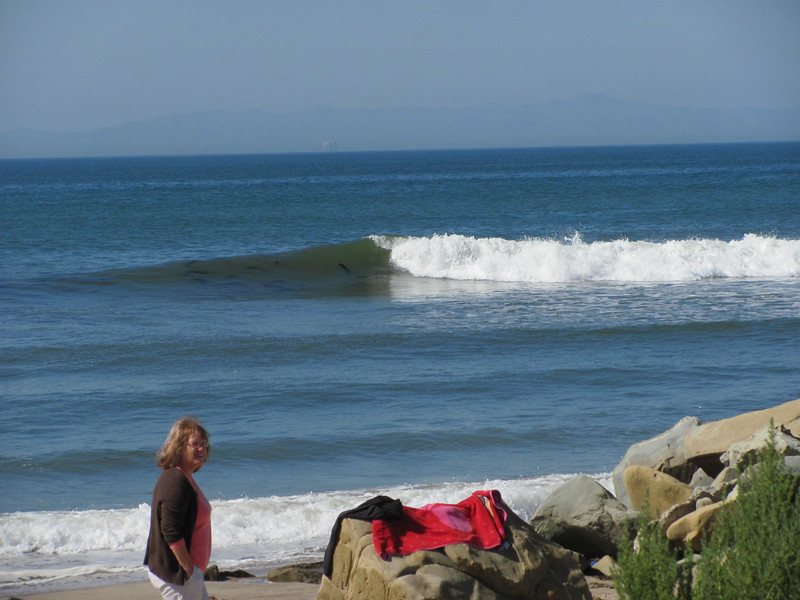 Nice wave and no one is ridding it :-(