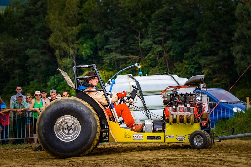 Tractor Pulling 2015-02279.jpg