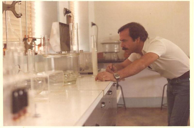 Fernando Miranda Maia, Laboratorio de veterinaria, Cossa