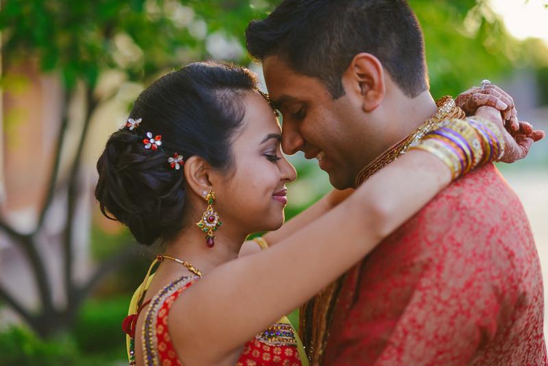 Charmi & Abhi Garba (68 of 578).jpg