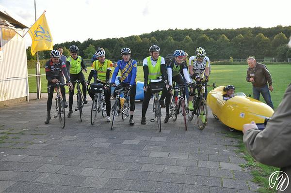 Start fietstocht Zoetermeer-Parijs-Zoetermeer