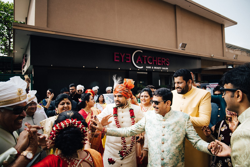 Poojan + Aneri - Wedding Day EOSR Card 1-1248.jpg