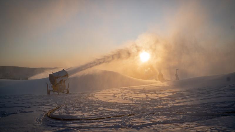 Snowmaking 1920-04723.jpg