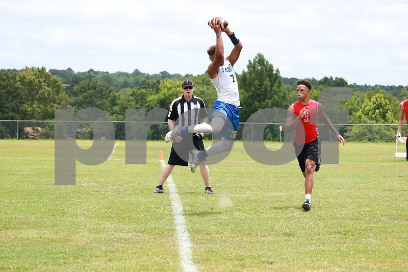 Jacksonville reciever #7 Shiloh Canady makes incredible TD catch at lindsay park Saturday June 17, 2017