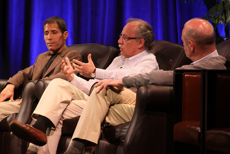 """""""One Cloud Serving Many Platforms, Applications, and Devices"""": (L-R) Noam Ziv, VP, Engineering, Qualcomm; Mario Dal Canto, Chair and CEO, SIMtone; and Kris Halvorsen, SVP and Chief Innovation Officer, Intuit"""