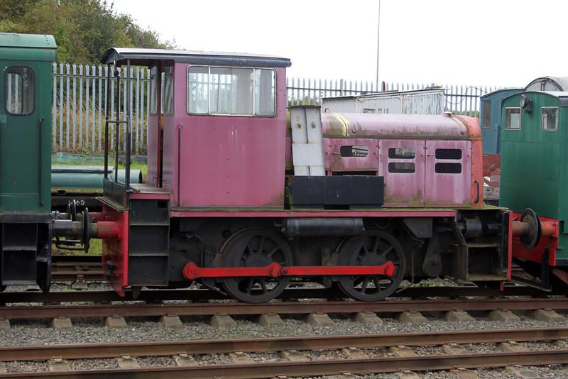 John Fowler + Co 0-4-0DH No37/4220015 Chasewater Railway 11/09/11.