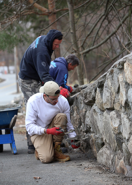 Stone wall repointing Wilmington 041219