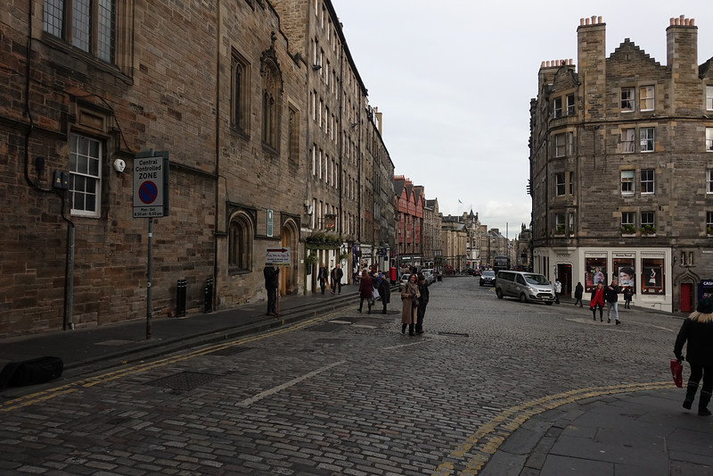 Royal Mile_Edinburgh_Scotland_GJP02955.jpg