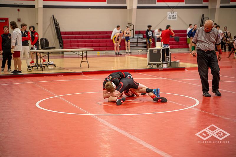 Wrestling at Granite City-09029.jpg