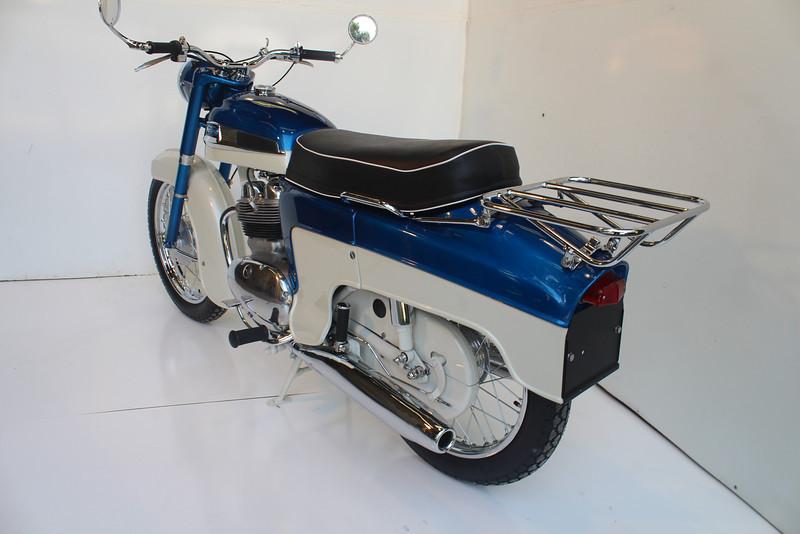 1962 Norton 8-13 032.JPG