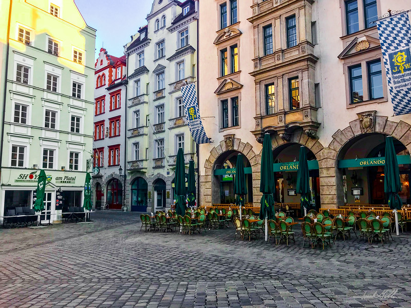 Munich plaza in early morning
