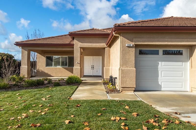 299 Montebello Oaks 5 Exterior.jpg