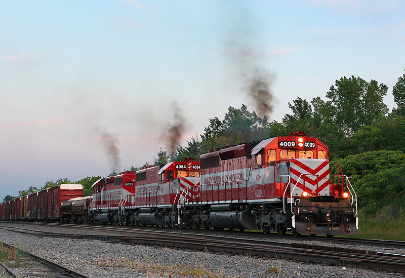 Wisconsin & Southern 4009 (EMD SD40-2) - Richfield, WI