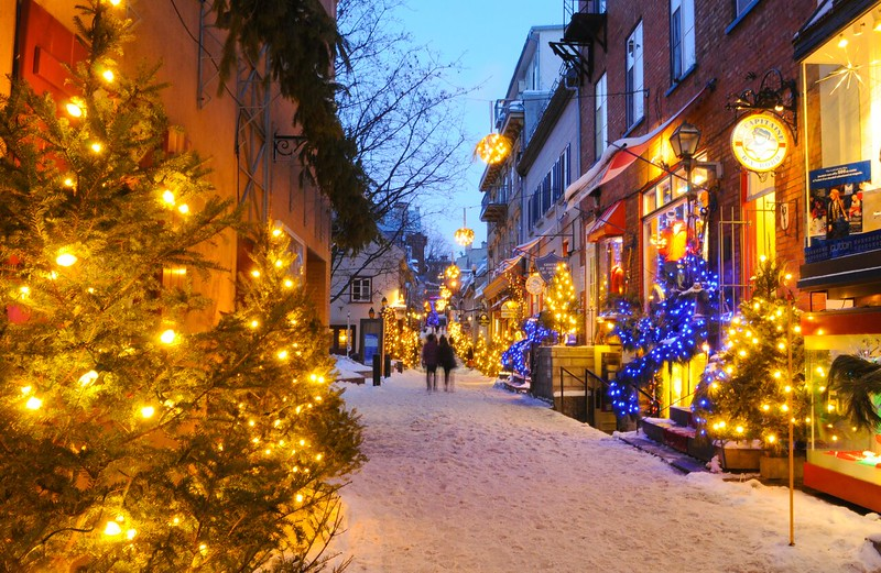 Discover Quebec City on a picturesque stroll through the old town.