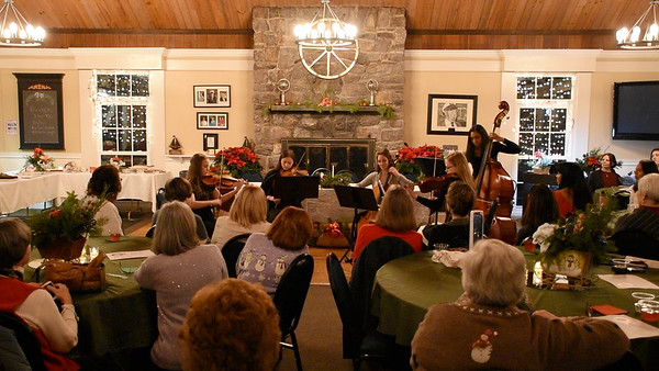 Chamber Performs at Green Pond Yacht Club