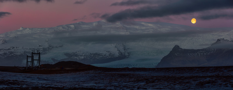 Jokulsarulon Moonset