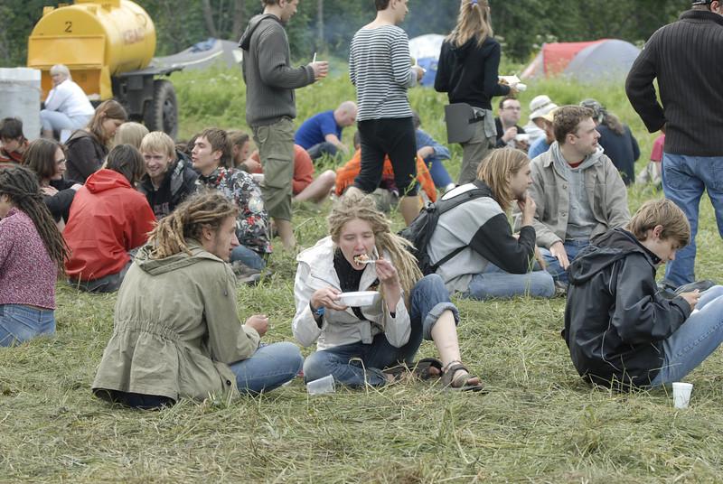 070611 6594 Russia - Moscow - Empty Hills Festival _E _P ~E ~L.JPG