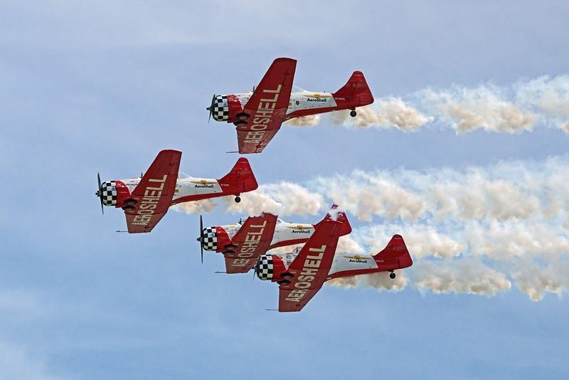 DSC02477-stunt planes.jpg