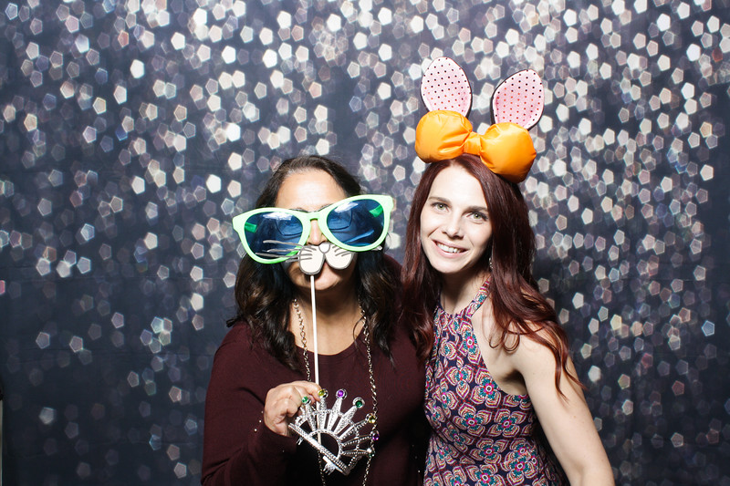 SavannahRyanWeddingPhotobooth-0086.jpg