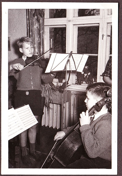1955_04_Geige+Cello.jpg