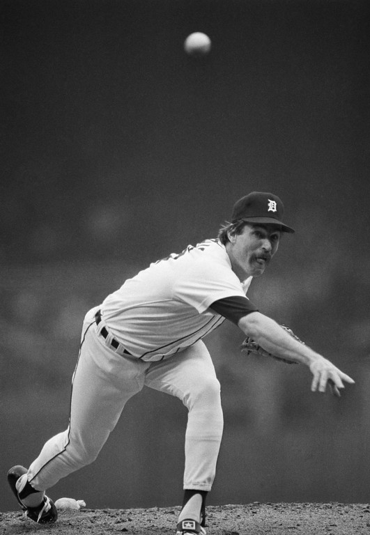 . Detroit\'s Jack Morris hurls to San Diego in the first inning of the fourth game of the World Series Saturday, Oct. 13, 1984 at Tiger Stadium in Detroit. (AP Photo/Mark Duncan)
