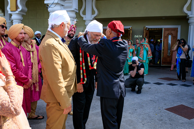 Neelam_and_Matt_Gurdwara_Wedding-1270.jpg