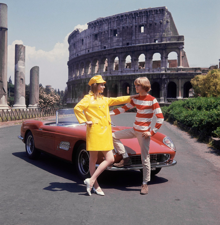 . Ye-Ye fashions from Rome, Italian clothing in 1966. The Colosseum is shown in the background. (AP Photo)