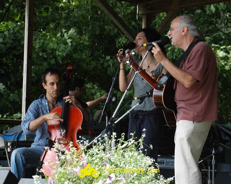 Phila Folk Fest- Sat 8-27 070 Bethany & Rufus & Yarrow.JPG