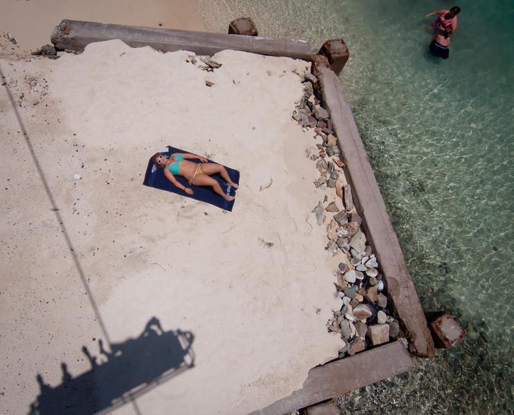Saxaphone player-Manly Beach-Sydney Australia-6189.jpg