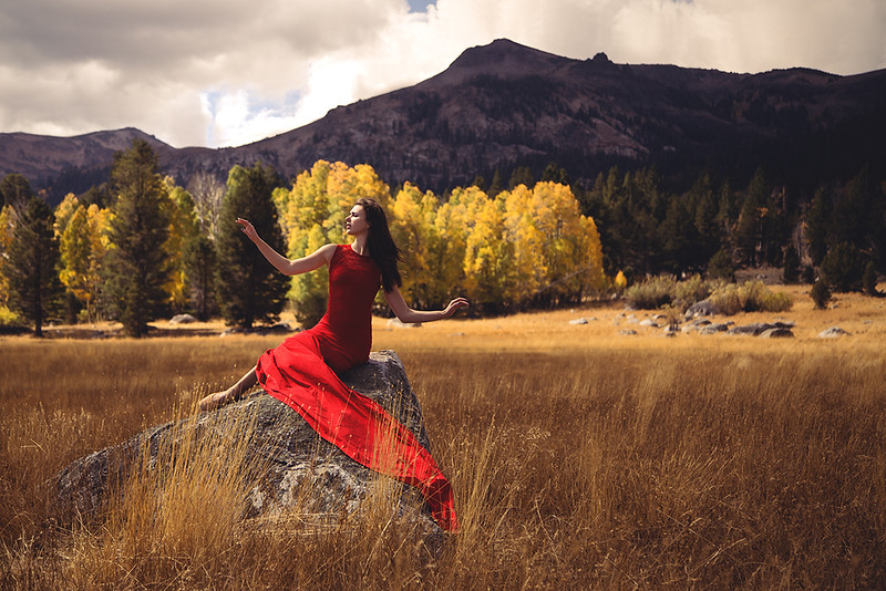 outdoors-nature-mountain-autumn-fall-forest-ballet-dance-photography-Jason-Sinn.jpg