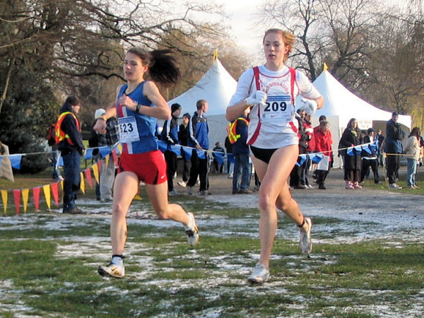 2005 Canadian XC Championships - Anita Campbell and Kate Van Buskirk lead the junior women