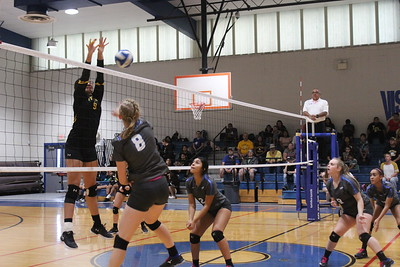 Natalia vs Lytle Volleyball Oct 2 2018