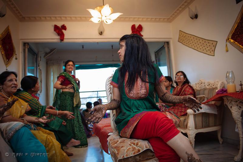 Jay Pooja Mehandi-286.jpg