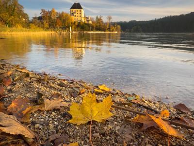 2016 Hallstatt Autumn Day