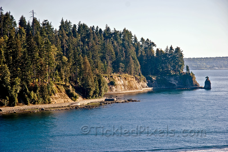 Stanley Park Seawall and Siwash Rock