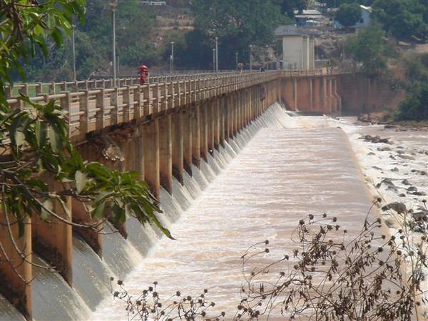 Barragem  A construção da Barragem Hidroeléctrica de Luachimo data de 1950. Entrou em funcionamento em 1957.